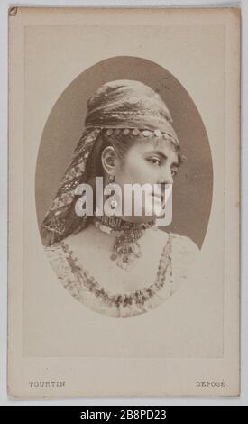 Portrait of Delphine Lissy or Lizy (actress) Portrait de Delphine de Lissy ou Lizy, actrice. 1860-1890. Carte de visite (recto). Tirage sur papier albuminé. Photographie de Joseph Tourtin (né en 1825). Paris, musée Carnavalet.