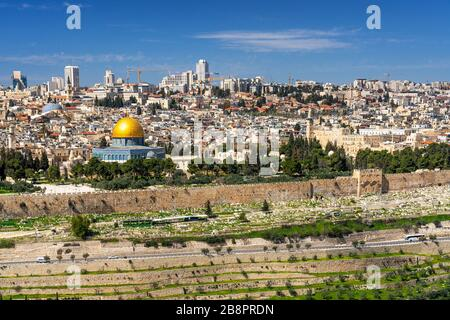 The city skyline from the Mount of Olives, Jerusalem, Israel, Middle East. - Stock Photo