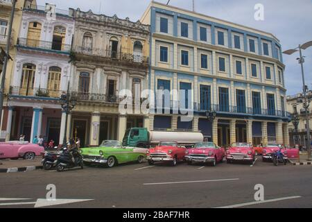 Classic cars and colonial architecture, Havana, Cuba