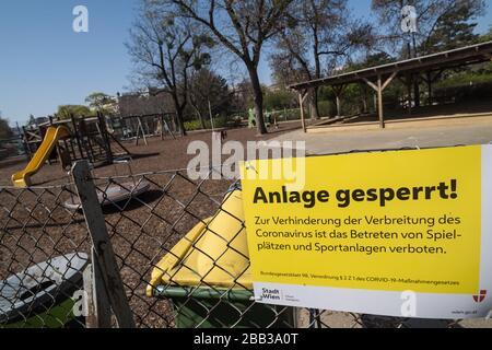 Wien, Maßnahmen gegen die Ausbreitung des Coronavirus, gesperrter Spielplatz - Vienna, action against the spread of Corona Virus, closed playground