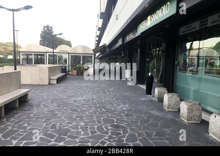 ROME, ITALY - MARCH 29, 2020: A view of a street during quarantine amid the COVID-19 pandemic. On March 8, 2020, the Italian government ordered to close all the museums, archeological sites and cultural institutions; starting from March 12, the country is on full lockdown with all shops, bars and restaurants closed, except for grocery stores and pharmacies. Walking outside is prohibited with certain exceptions. Vera Shcherbakova/TASS