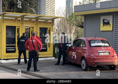 ROME, ITALY - MARCH 29, 2020: A filling station during quarantine amid the COVID-19 pandemic. On March 8, 2020, the Italian government ordered to close all the museums, archeological sites and cultural institutions; starting from March 12, the country is on full lockdown with all shops, bars and restaurants closed, except for grocery stores and pharmacies. Walking outside is prohibited with certain exceptions. Vera Shcherbakova/TASS