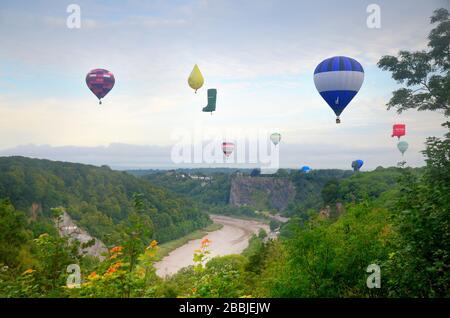 Bristol ballon festival 2019 - hot air balloons landing after flight. - clifton