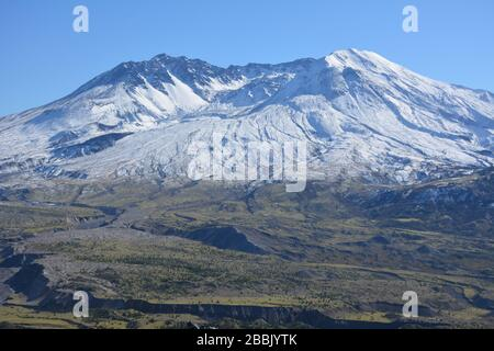 Dramatic view of the north side of Mt St Helens from Route 504, Cowlitz County, Washington State, USA. Stock Photo