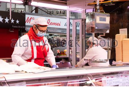Valencia, Spain; 1st apr 2020: Stalls at Valencia's Central Market, the city's largest fresh produce market, remain open during the coronavirus pandemic Credit: Media+Media/Alamy Live News - Stock Photo