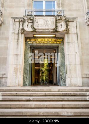 The London School of Hygiene and Tropical Medicine, Bloomsbury. Art Deco entrance to the LSHTM, a constituent college of the University of London. - Stock Photo