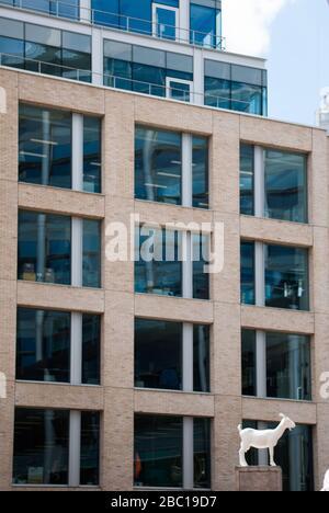 Steward Building AHMM Architects Brick Elevation Windows Glass Detail 12 Brushfield Street, Liverpool Street, London, E1 - Stock Photo
