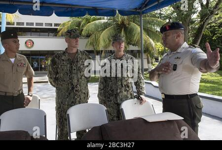 Guatemalan Naval Infantry Force Coronel Jose Ricardo Sosa Mirón, right, speaks to, from left, U.S. Marine Corps Maj. Romeo Cubas, the Southern Partnership Station (SPS) 2014 detachment officer in charge; U.S. Nav 140808 - Stock Photo