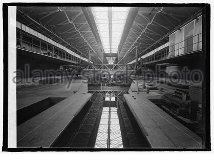 'English: Title: Experimental Basin, Wash. Navy Yard, [Washington, D.C.] Abstract/medium: 1 negative : glass ; 5 x 7 in. or smaller; 1924; Library of Congress  Catalog: https://lccn.loc.gov/2016849874 Image download: https://cdn.loc.gov/service/pnp/npcc/26500/26540v.jpg Original url: https://www.loc.gov/pictures/item/2016849874/; National Photo Company Collection; ' - Stock Photo