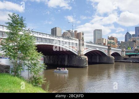 Princes Bridge across Yarra River, City Central, Melbourne, Victoria, Australia