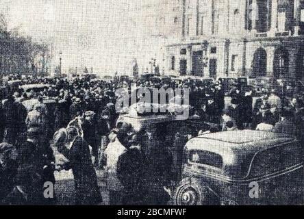 'Français: Rallye Monte Carlo 1934, départ de la place de la Concorde à Paris.; 16 October 2017; L'Auto-vélo, 24 janvier 1934; L'Auto-vélo; ' - Stock Photo