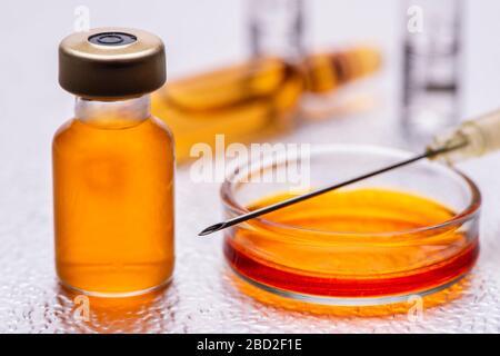Impfung mit Serum gegen Corona-Viren