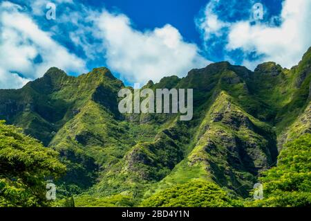 Mountains on the island of Oahu, Hawaii - Stock Photo