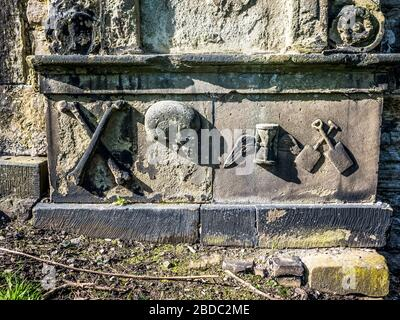 Symbols on grave in Old Calton Burial Ground Edinburgh - Stock Photo