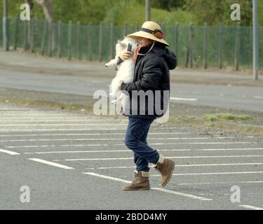 Glasgow, Scotland, UK, 8th April, 2020: Coronavirus saw deserted streets and Empty roads as people exercised on the Forth and Clyde canal. Gerard Ferry/ Alamy Live News - Stock Photo