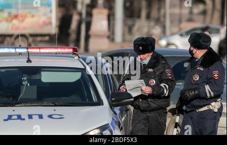 Yekaterinburg, Russia. 08th Apr, 2020. Road police officers in Lenina Prospekt Street. Russian President Vladimir Putin has expanded non-working period till April 30, 2020 to prevent the spread of the novel coronavirus. Credit: ITAR-TASS News Agency/Alamy Live News - Stock Photo