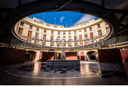 Valencia, Spain; 1st apr 2020:The 'Plaza Redonda' is one of the best known tourist places in Valencia It owes its name to its circular shape - Stock Photo