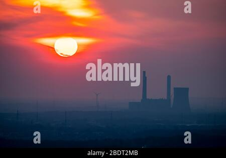 the Voerde coal-fired power plant, shut down in March 2017, sunset, Germany