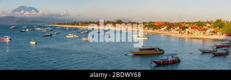 Horizontal panoramic of Jungut Batu bay on Lembongan Island, Indonesia.