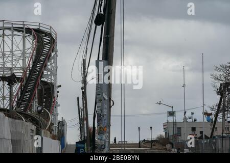 New York, NY, USA. 10th Apr, 2020. The Cyclone roller coaster is closed in the Coney Island section of the Borough of Brooklyn on April 10, 2020 in New York. Credit: Bryan Smith/ZUMA Wire/Alamy Live News - Stock Photo