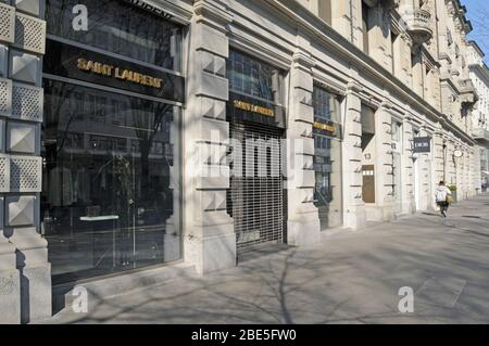 Switzerland: closed shops like Dior and Yves St Laurent and warehouses like Jelmoli and Globus at Bahnhofstrasse in Zürich city due to CoVid19 Virus L - Stock Photo