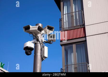 surveillance cameras on the square Breslauer Platz in front of the main station, Cologne, Germany.  Ueberwachungskameras am Breslauer Platz vor dem Ha - Stock Photo
