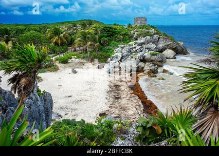 Ruins of the Mayan temple grounds at Tulum, Quintana Roo, Yucatan, Mexico. Tulum is the site of a pre-Columbian Mayan walled city which served as a ma - Stock Photo