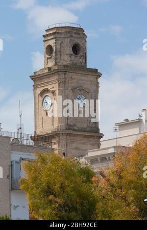 Italien, Mezzogiorno, Apulien / Puglia, Halbinsel Salento, Monopoli, Kirchturm San Francesco D'Assisi - Stock Photo