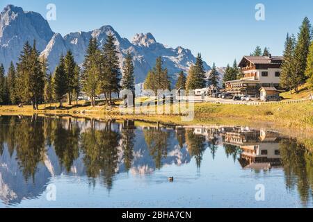 the lake of Antorno, near Misurina, along the road to the Tre Cime di Lavaredo, Auronzo di Cadore, Dolomites, Belluno, Veneto, Italy Stock Photo