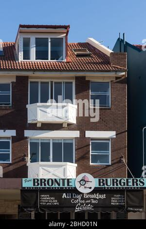 Sydney, Australia. Saturday 25th April 2020. Cafe´s  and restaurants at Bronte beach in Sydney's eastern suburbs. Credit Paul Lovelace/Alamy Live News - Stock Photo