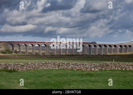 Steam locomotive 45231 The Sherwood Forrester crossing Ribblehead viaduct on the settle to Carlisle line with the West coast railways fellsman train