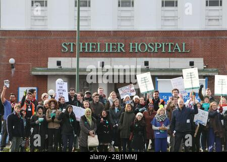 Junior doctors' strike, St Helier hospital, South London 12 January 2016 - Stock Photo