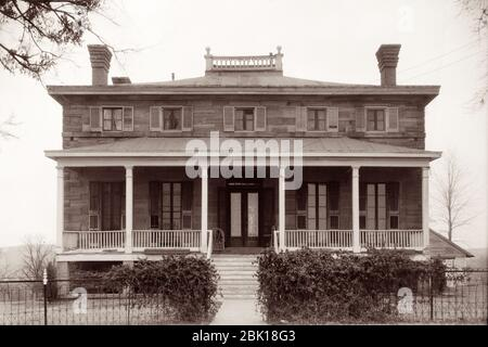 Commanding Officer's Quarters, built in 1868–1870, at historic Fort Gibson in Fort Gibson, Oklahoma. The residence of the commanding officer and his family was a center of formal functions of celebration, greeting and lodging for significant visiting dignitaries. - Stock Photo