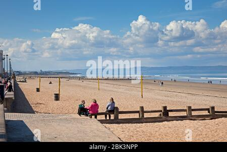 Portobello Beach, Edinburgh, Scotland, UK. 1st May 2020. Very quiet afternoon at the seaside on both the Promenade and the sandy beach. Unusual for such a sunny afternoon with temperature of 14 degrees centigrade. Perhaps people are still taking heed of the government warnings to stay at home due the Coronavirus Lockdown. Although there were many more vehicles on the High Street compared to previous  weeks. Credit: Arch White/Alamy Live News. - Stock Photo