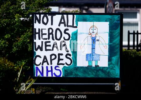 Messgaes outside the Gasgoigne Public House in Garforth showing their support for the NHS & Key Workers during the cornavirus outbreak. - Stock Photo