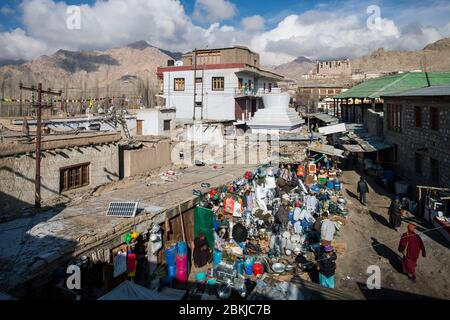 India, Jammu and Kashmir, Ladakh, Leh, general view of the market and Royal Palace in the background, altitude 3500 meters - Stock Photo