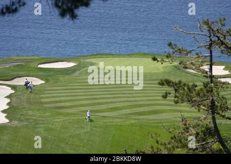 Monterey Peninsular, CA, USA. 4th May, 2020. Golfers return to their courses in the Pebble Beach area after lockdown due to Covid-19 - seen here on the 6th hole at Pebble Beach Links. Credit: Motofoto/Alamy Live News