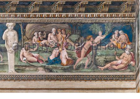 Rome, Villa Farnesina, The Hall of Perspectives: the ample frieze with mythological scenes inspired by the Ovid Metamorphoses. Detail of Apollo and Daphne.. Frescoes by Baldassarre Peruzzi and workshop (Giulio Romano?) 1517-18. - Stock Photo