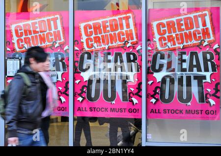 JJB credit crunch sale Reading UK Jan 2009 - Stock Photo