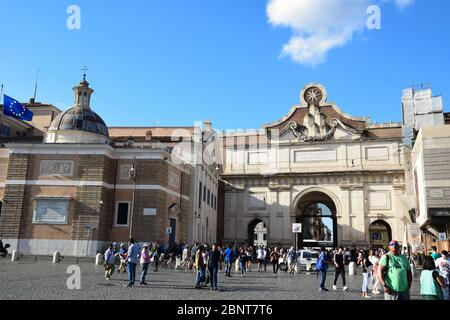 Piazza del Popolo with the Fontana Sarcofago di Piazza Popolo lato carabinieri and Arma dei Carbinieri Comando Legione Regione Lazio Roma - Stock Photo