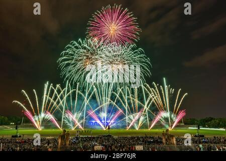 Surex (Polen), Fireworks at the highest level, showdown of the Koenigsklasse at the Pyronale 2019 on the Maifeld in front of the Berlin Olympic Stadium. - Stock Photo