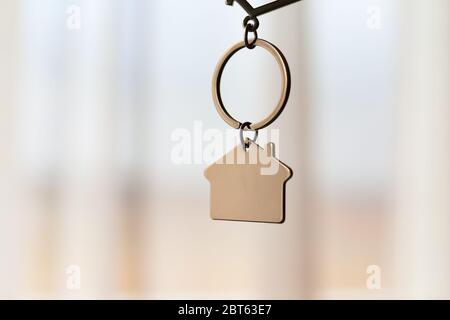 keychain in the form a house