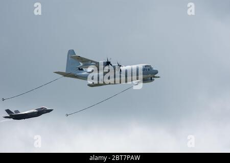 Lockheed Martin USMC KC-130J Super Hercules & Lockheed Martin F-35 Lightning II Demostrate Aerial Refueling at RIAT 2016 RAF Fairford Stock Photo