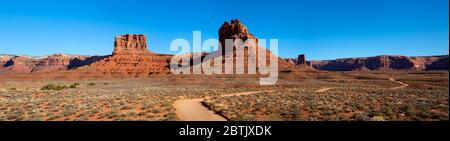 UT00628-00...UTAH - Redrock sandstone buttes viewed from the 17-mile loop road through the Valley of the Gods. - Stock Photo
