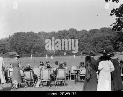 Sports at Pennthorpe School in Chislehurst , Kent . Pupils compete in the high jump . 1937 - Stock Photo