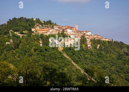 Pilgrimage village of Santa Maria del Monte on Sacro Monte di Varese, UNESCO World Cultural Heritage Site, Santa Maria del Monte, Varese, Lombardy, It - Stock Photo