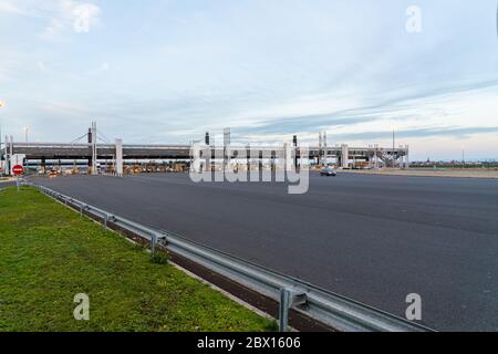 Highway A89,Clermont-Ferrand, France 2nd January 2020 - Cars entering and leaving the Toll road at Clermont-Ferrand - Stock Photo