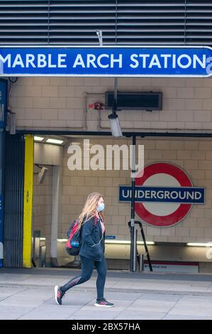 London, UK. 5th June, 2020. UK government announces masks or face coverings to be made compulsory on public transport. Credit: JOHNNY ARMSTEAD/Alamy Live News - Stock Photo
