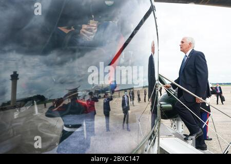 Washington, United States Of America. 29th May, 2020. Vice President Mike Pence boards Marine Two at Joint Base Andrews, Md. Friday, May 29, 2020, en route to the United States Naval Observatory in Washington, D.C People: President Donald Trump Credit: Storms Media Group/Alamy Live News - Stock Photo