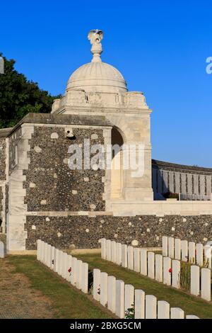 Close-up rotunda with angel and military graves at Tyne Cot Cemetery (1914-1918) in Zonnebeke, Belgium